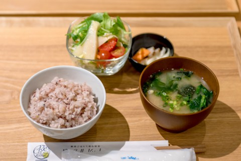 和食が中心の食事